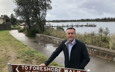 HUNDREDS ATTEND MEETING TO BOOST LAKES ENTRANCE