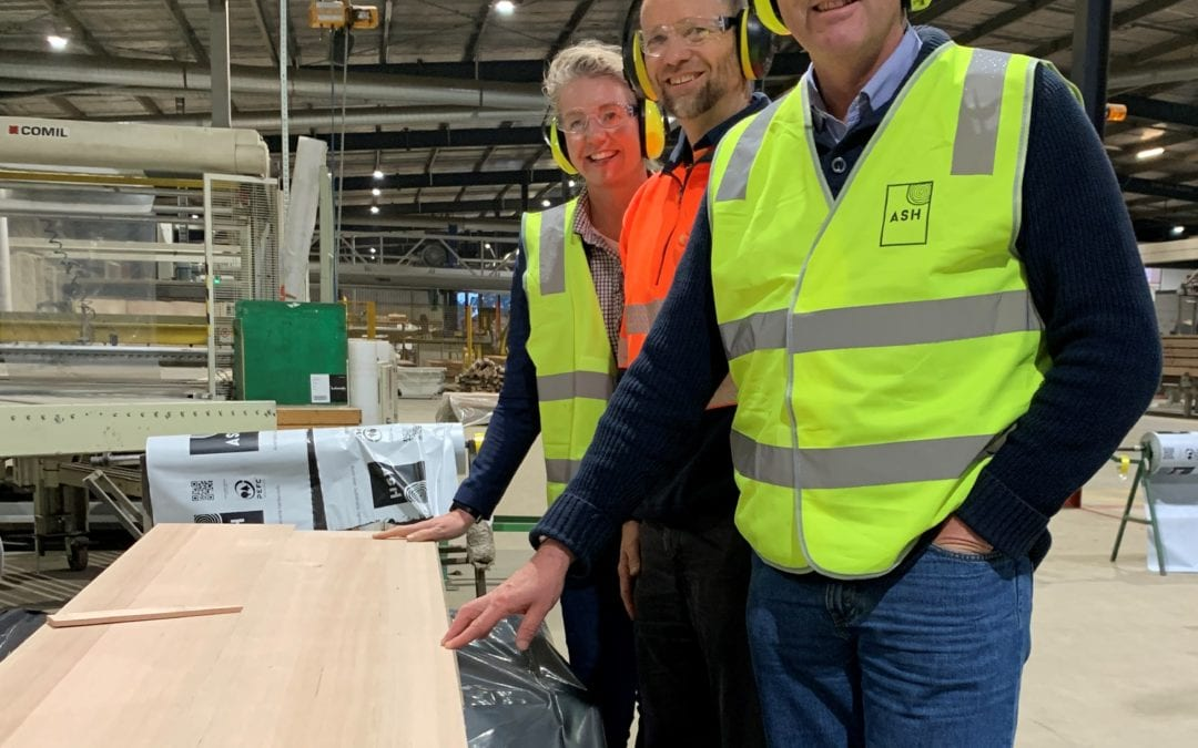 HEYFIELD TIMBER MILL A FIRST STOP FOR NEW MINISTER